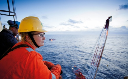 /l/y/k/BP_woman_drilling_engineer_graduate_Claire_Horsman_.jpg
