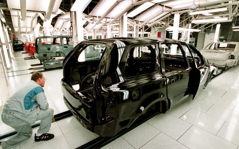 /j/f/q/Volvo_car_manufacturing_factory_2.jpg