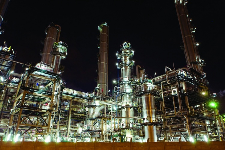 /a/f/d/oil_refinery___credit_Rongy_Benjamin.jpg