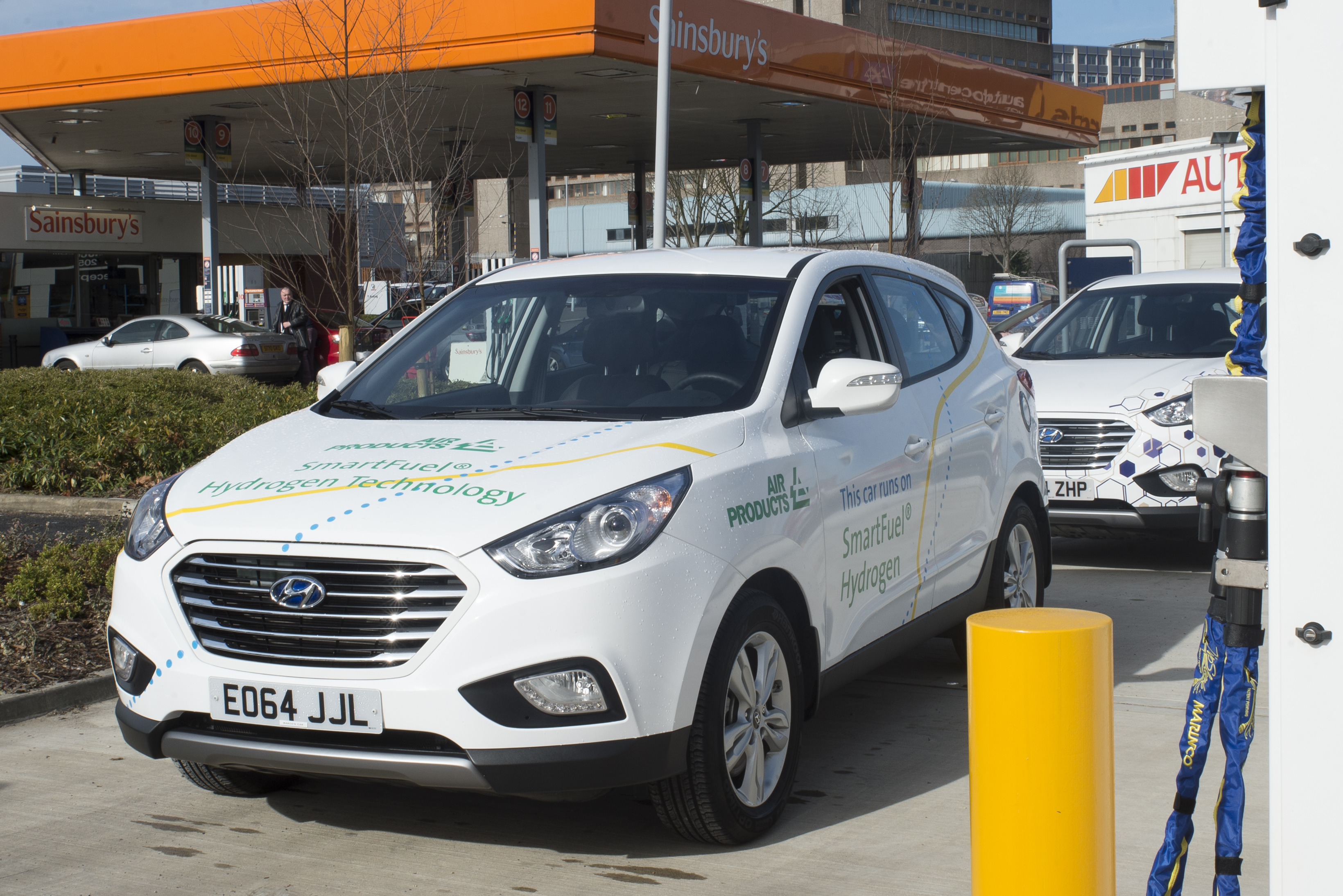 UK's first supermarket hydrogen filling station opens   The