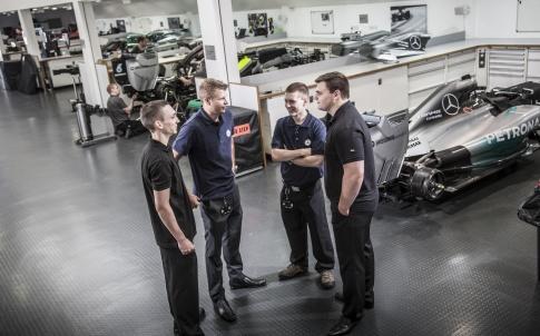 /s/s/a/Mercedes_AMG_Petronas_motor_sport_racing_F1_graduates_2.jpg