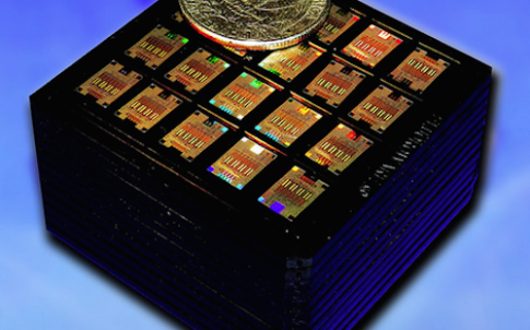 IBM engineers have designed and tested a fully integrated wavelength multiplexed silicon photonics chip, which will soon allow manufacturing of 100Gb/s optical transceivers