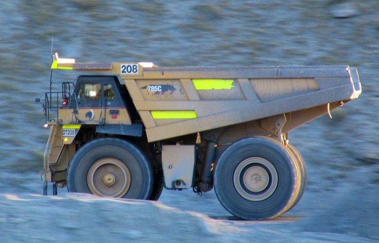 Truck drivers in Australia's mines are being replaced by autonomous vehicles. (Credit: Benchill via Wikimedia Commons)