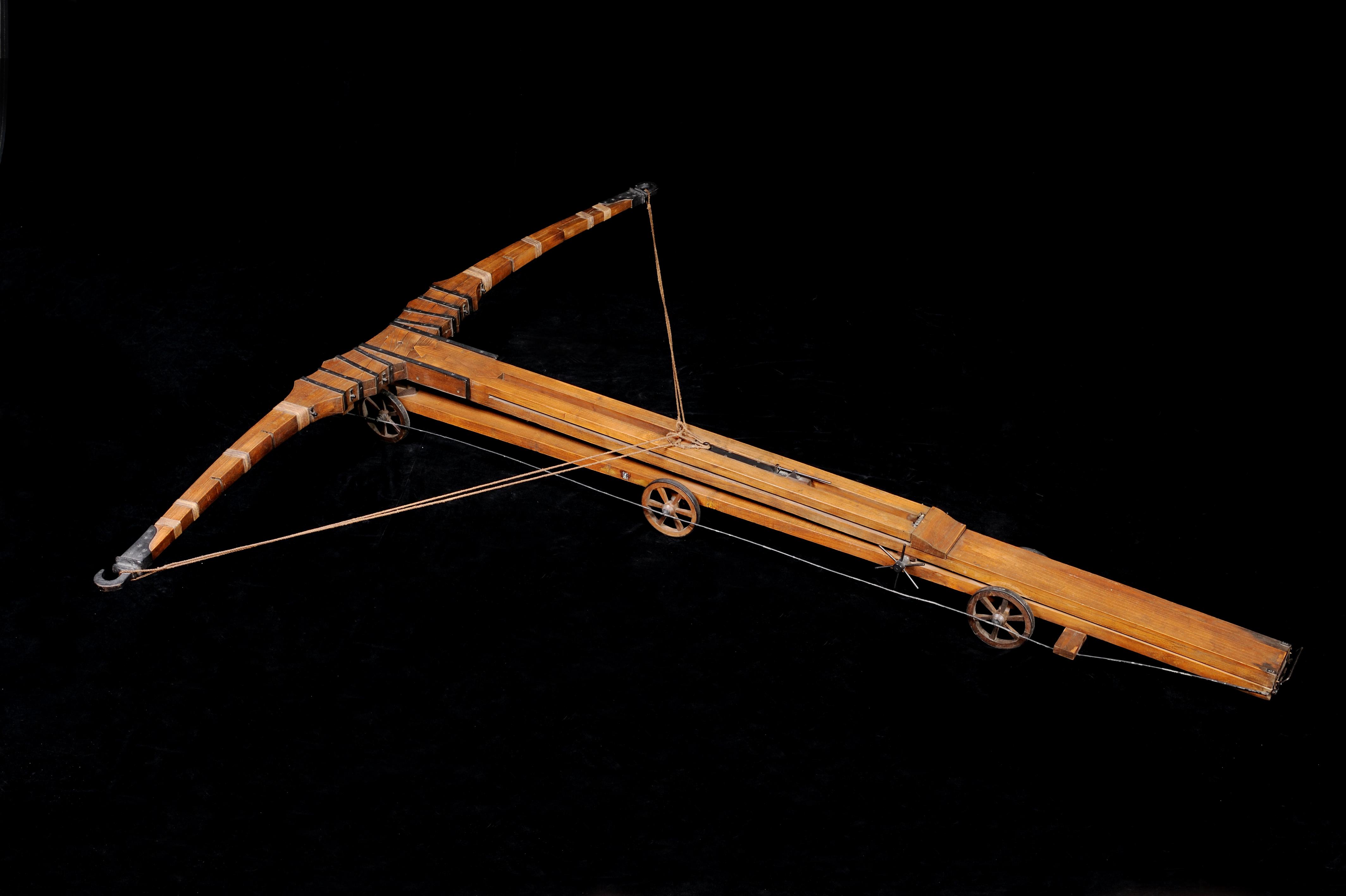 Giant crossbow: Run away! © Archivio Museo Nazionale della Scienza e della Tecnologia Leonardo da Vinci – Alessandro Nassiri