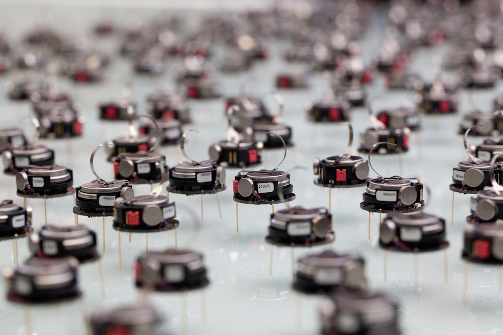 Swarm robots made safer and more reliable with automatic programming