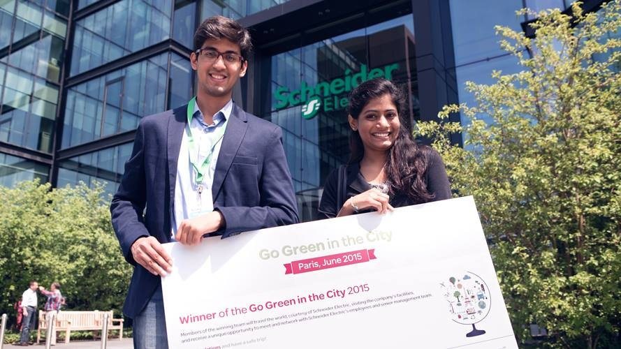2015 winners - Mohamad Meraj Shaikh and Spoorthy Kotla from the Indian Institute of Technology Kharagpur