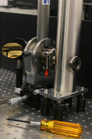 Table-top terahertz cyclotron resonance spectrometer. Credit: S Hammersley, Manchester University