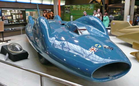 Malcolm Campbell's Bluebird CN7 - the last wheel-driven record holder