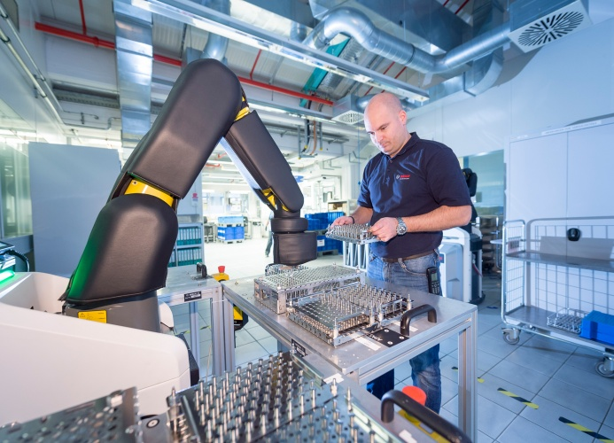 A robotic arm in action (Credit: Bosch)