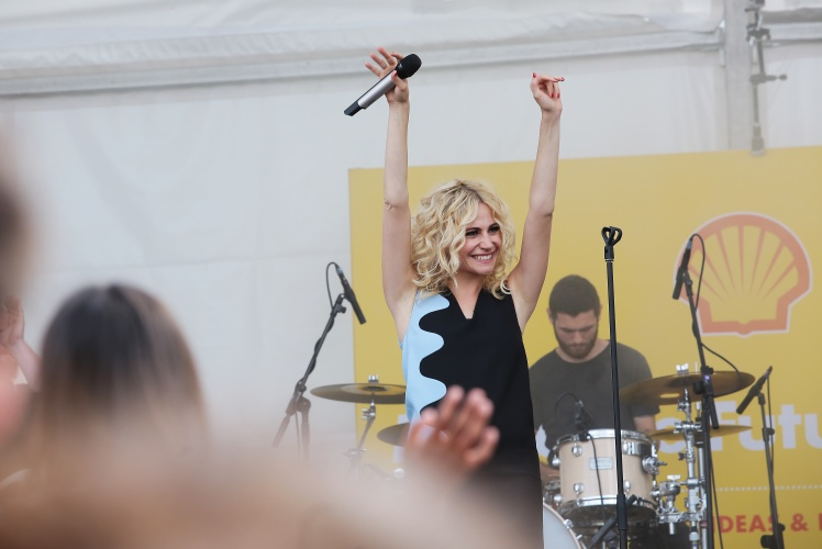 Singer-songwriter Pixie Lott performs during Make the Future London 2016 at the Queen Elizabeth Olympic Park, Sunday, July 3, 2016 in London, UK. (Jeff Moore for Shell)