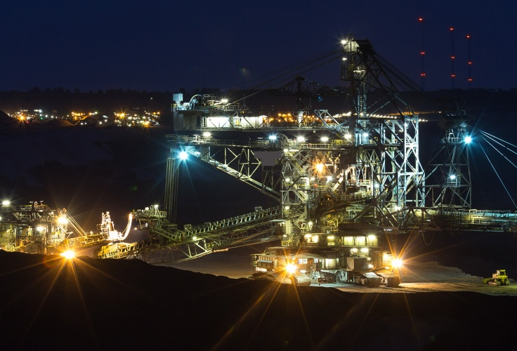 absetzer machine open cast mining garzweiler germany in the evening