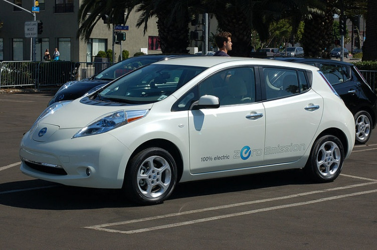 Nissan Leaf (Credit: Richard Kelly)