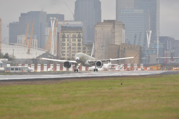 Bombardier Sizes Up London City Transatlantic Route The