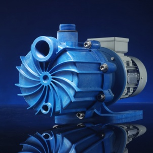 Self-priming mag-drive pumps