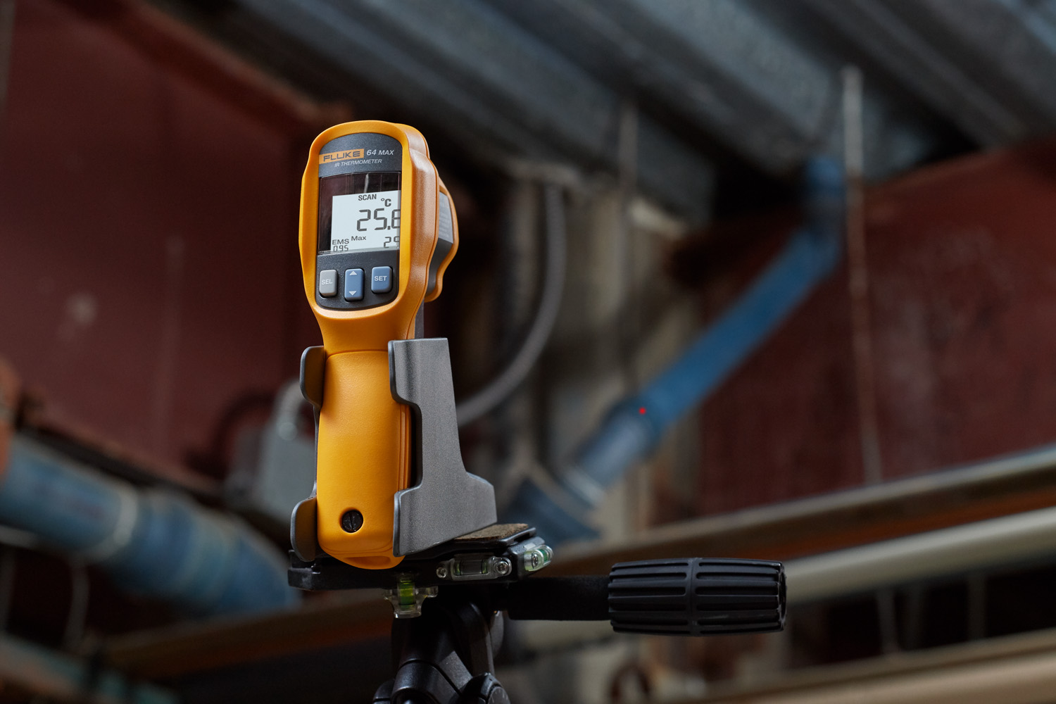 Thermometer Captures Measurements While Unattended The Engineer Infrared Fluke 59 Max 64 Ir