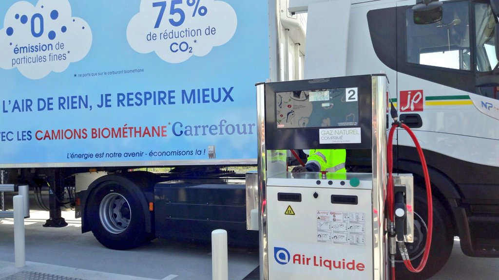 Air \Liquide biogas lorry
