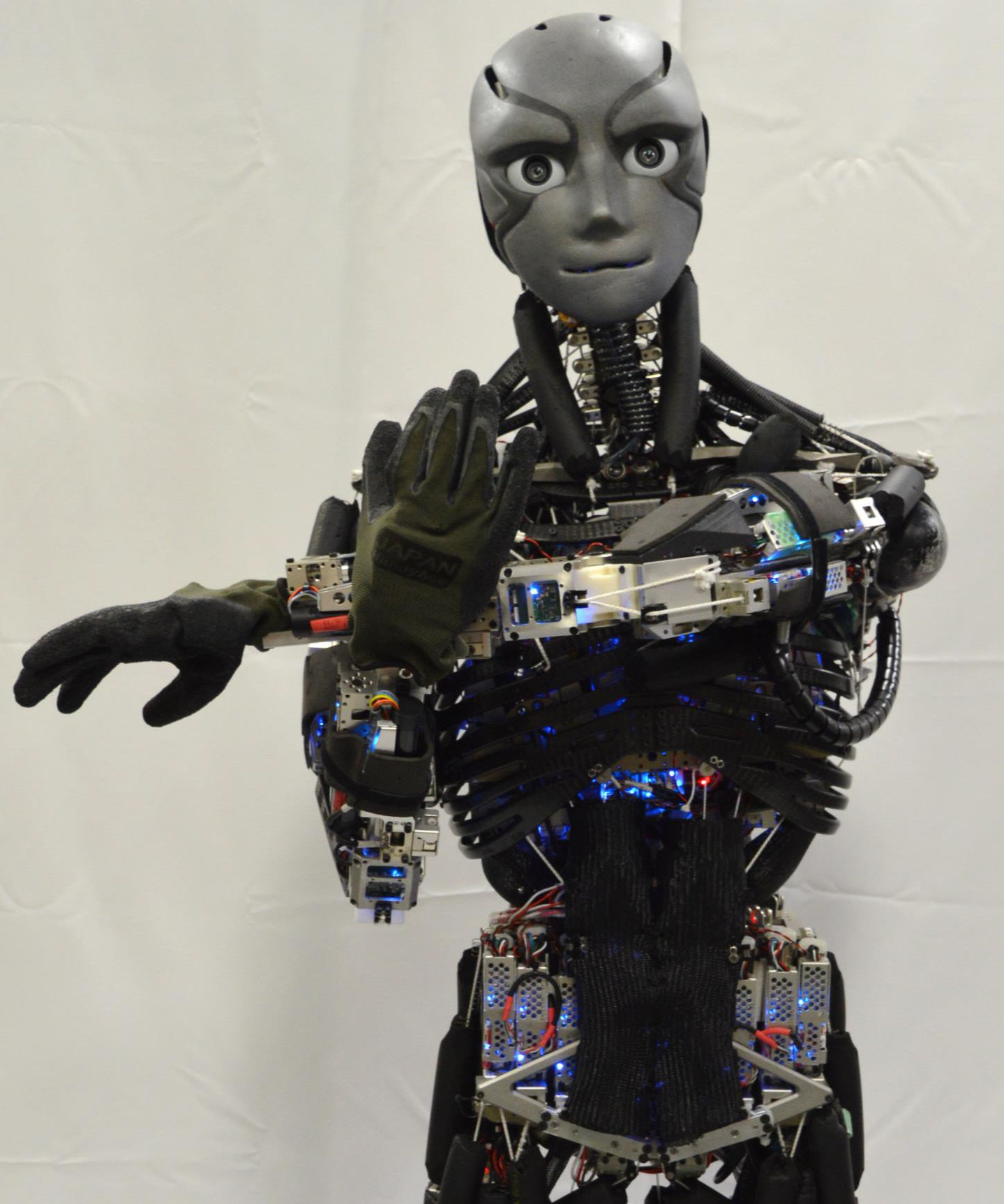 Japanese researchers most unveil life-life humanoid robots ...