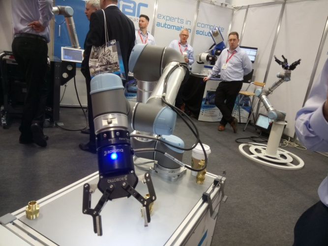 Brexit and set-up simplicity add to universal lure of cobots