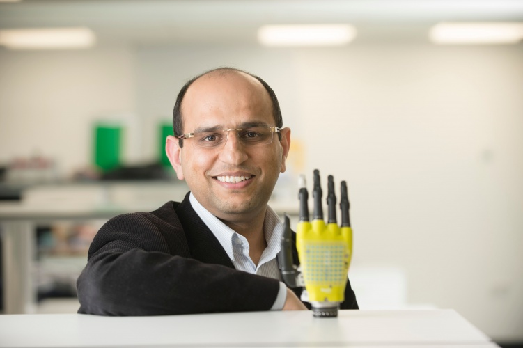 Graphene-based wearable supercapacitor powers prosthetic hand The