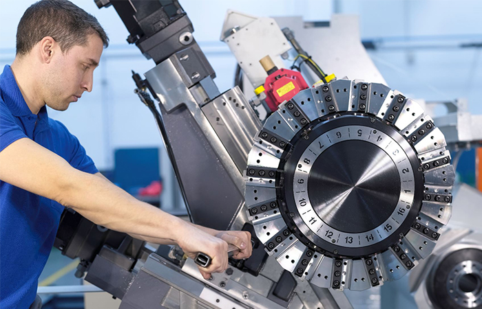 Promoted content: CMZ grows capacity for machining of large parts