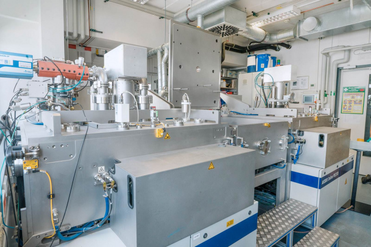 textile-based solar cells