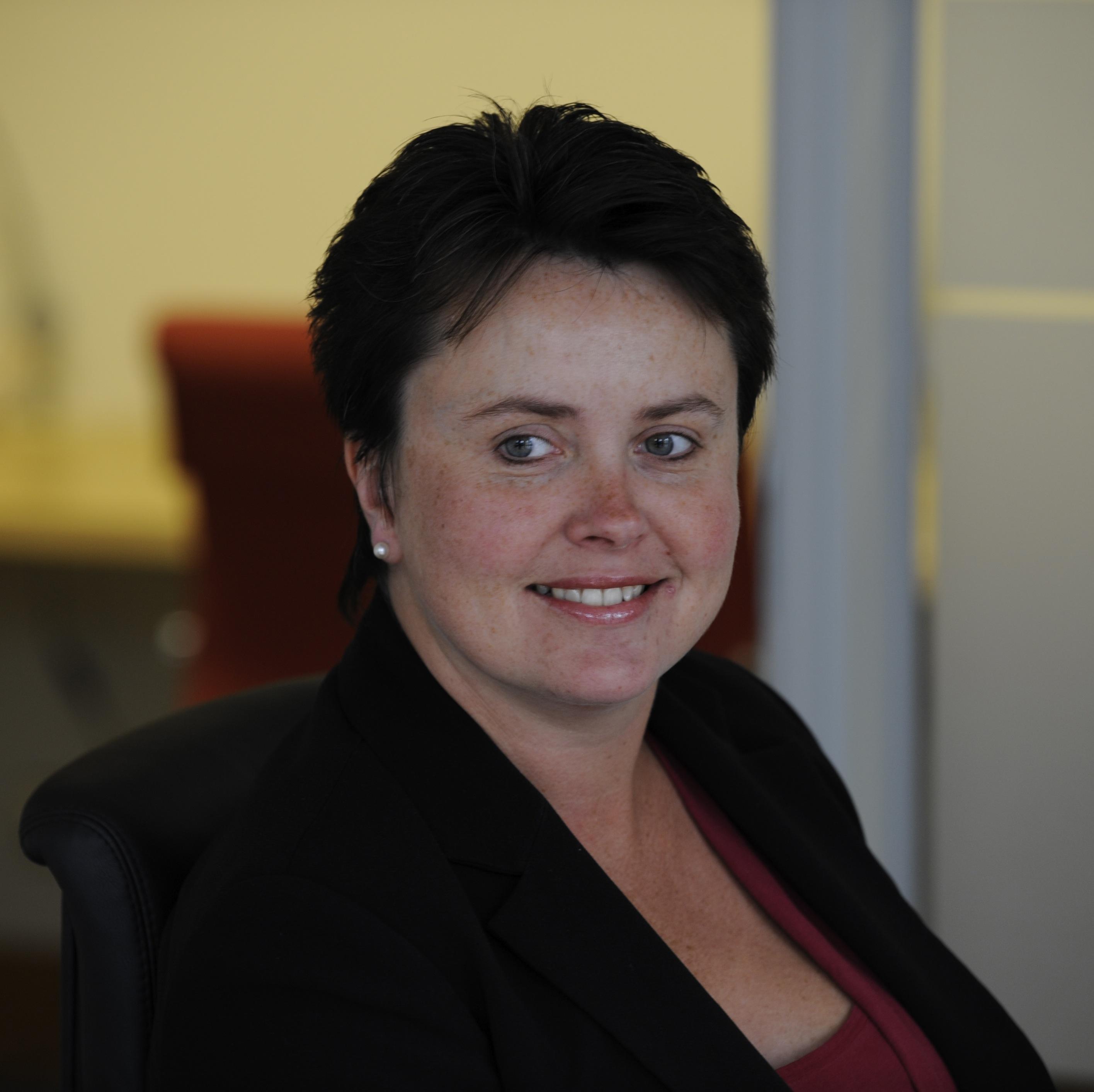 Lynn Knight