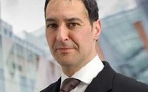 Simon Hilton