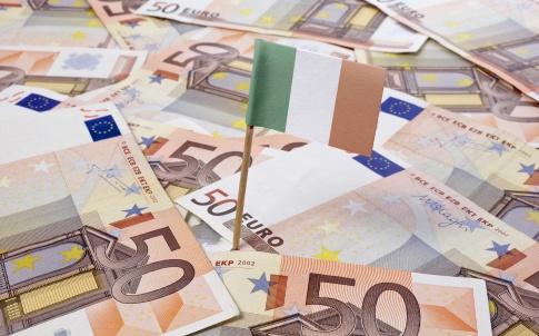 Flag of Ireland sticking in 50 Euro banknotes.(series)