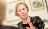 Picture of Catherine Johnson illustrating roundtable FTSE 100 companies debate legal operations efficiencies