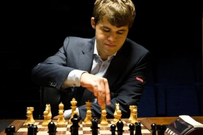 У чемпиона мира по шахматам нехило бомбануло
