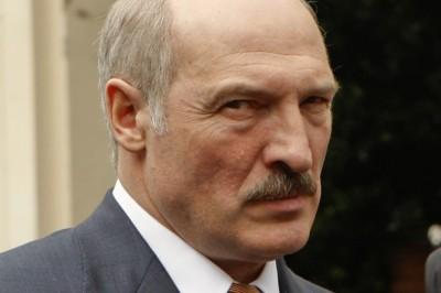 Лукашенко угрожает Медведеву