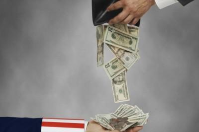 Как законно не платить кредит банку и коммуналку. Хитрость патриотов...