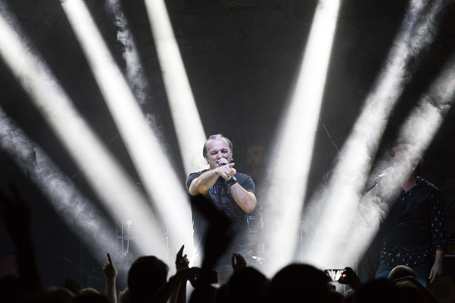 Picture of Gibonni with Croatian concert photography by Marko Hajdarovic