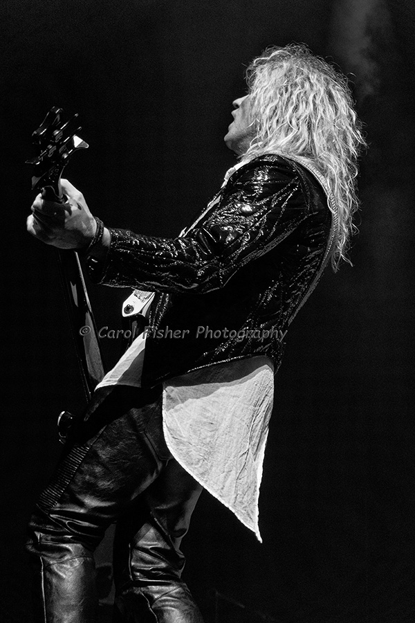 Heavy metal music photography  Pictures of Def Leppard in