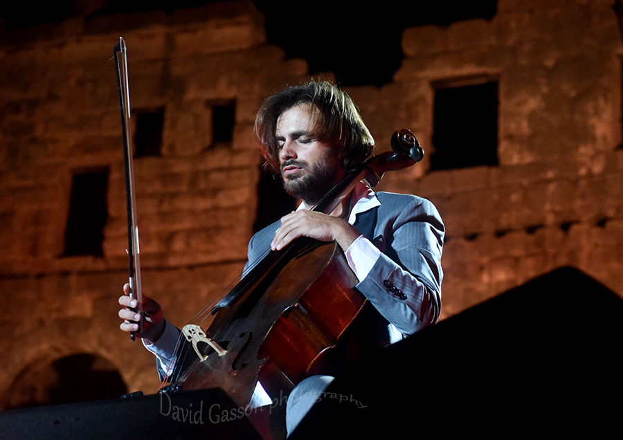 Classical music photography  Stjepan Hauser in concert at