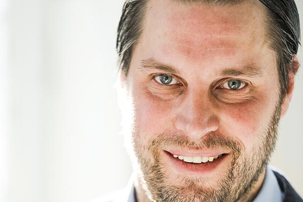 Mats Lundquist, chef på Bäckström anläggning, har fått mer energi på kvällarna sedan han gick med i Chefutmaningen i februari. Foto: Magnus Liam Karlsson.