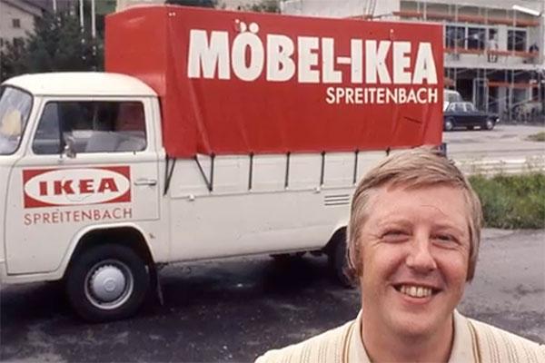 Jan Aulin i Zürich-förorten Spreitenberg, 1973. Bild: Youtube, Ikea.