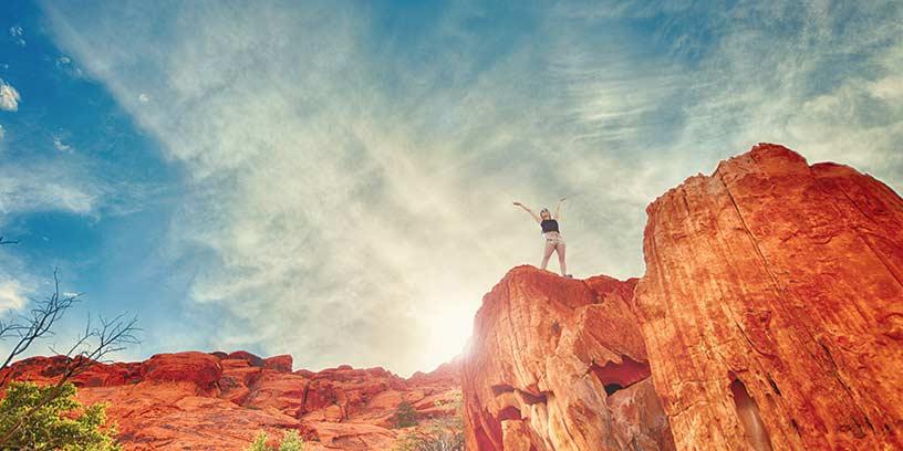 berg-kvinna-himmel-metoder-led-dig-sjalv