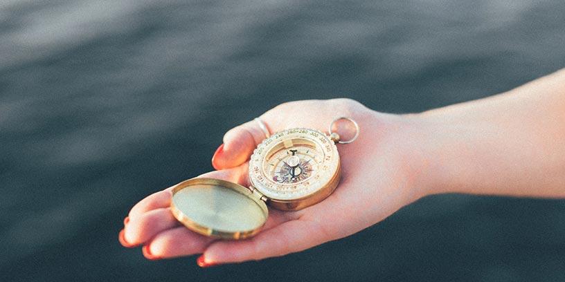 kompass-hand-hav-metoder-led-dig-sjalv