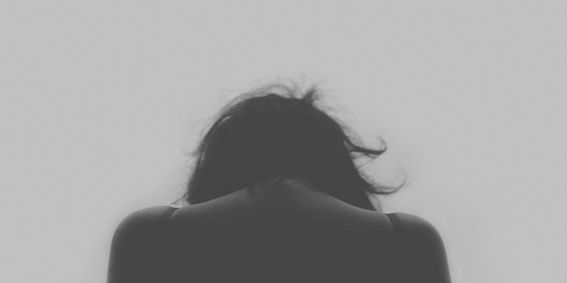 metoder-hantera-konflikter-deprimerad-kvinna