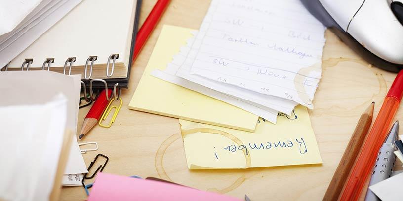 metoder-led-dig-sjalv-na-resultat-skrivbord-kaffe-messy