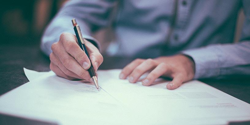 hand-skriva-penna-kontrakt