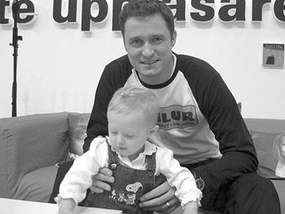 Dottern Julia var med när Bokilur lanserades på Bokmässan 2005.