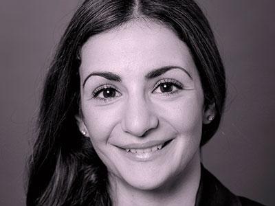 Parisa Liljestrand, ordförande kommunstyrelsen Vallentuna.