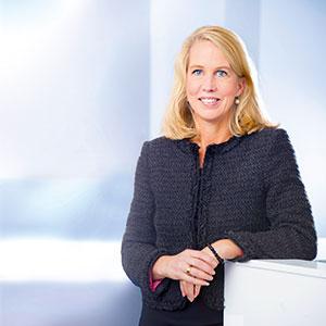 Kommunikation är ett av Helena Stjernholms starka områden. Rak och tydlig, en god talare, är omdömet. Foto: Industrivärden