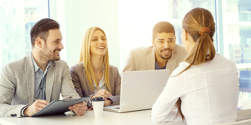 Hur många är med och fattar beslut om din anställning? Och hur beter de sig mot varandra? Foto: Adobe Stock