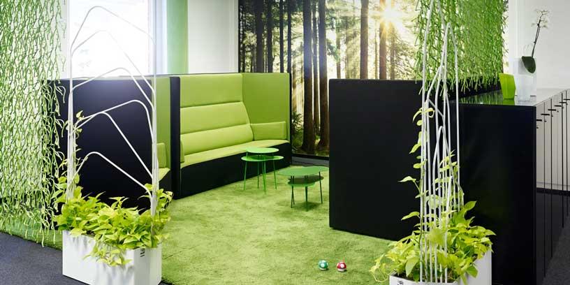 Naturen flyttar in på kontoret. Här hos spelföretaget Play'n Go i Växjö. Foto: Krister Engström