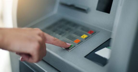 Como depositar dinheiro no multibanco?