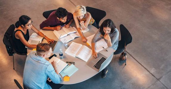 Esticar a mesada: dicas sobre crédito para estudantes