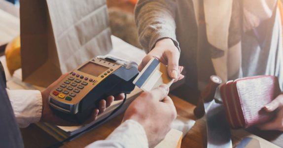 5 Operações com cartão de crédito que facilitam a sua vida